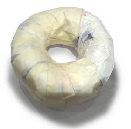 05-cover-the-doughnut-in-another-layer-of-masking-tape.jpg